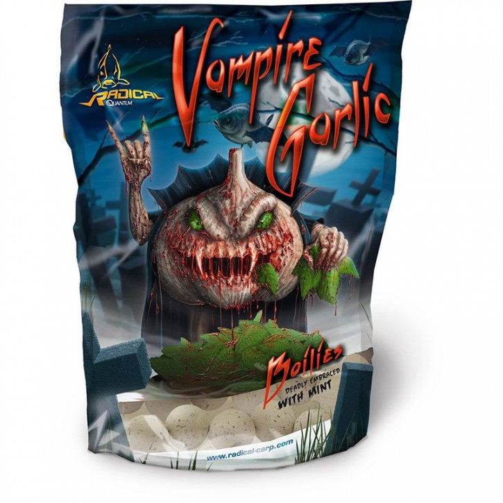 Quantum Radical Vampire Garlic Boilie 1 kg - 20 mm